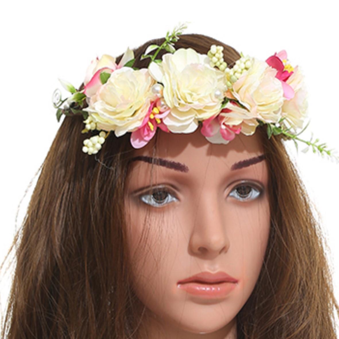 זר לראש מפואר פרחים בגוון קרם עדין בשילוב פנינים (ייחודי)