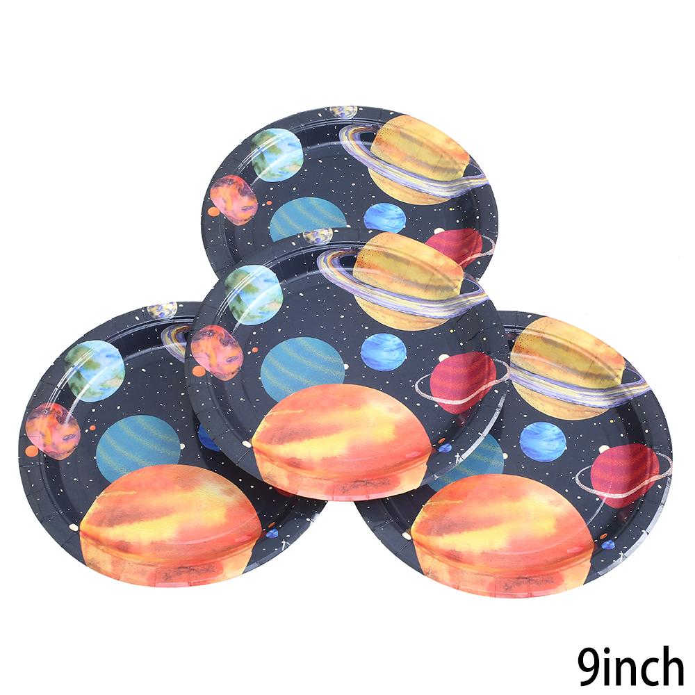 צלחות נייר גדולות חלל