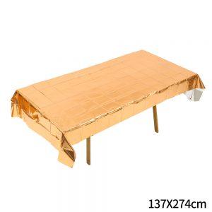 מפת שולחן מטאלית בצבע רוז גולד