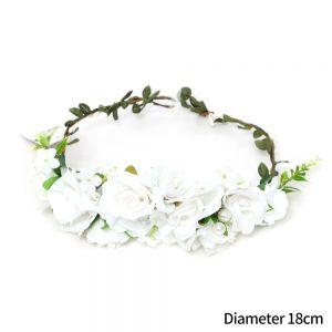 זר לראש מפואר פרחים לבנים בשילוב פנינים (ייחודי)